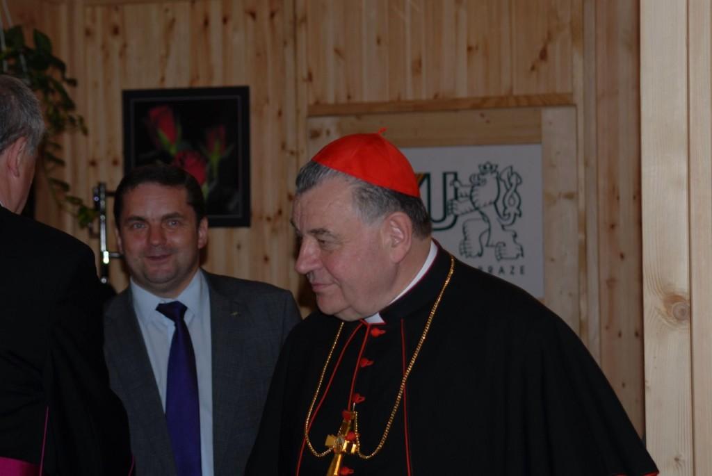 Kardinál Duka s panem prorektorem Heřmánkem