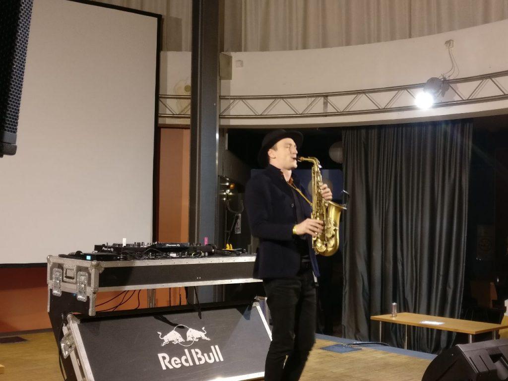 DJ saxofrancis